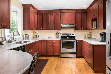 Shaker Style Cupboard - why shaker style kitchen cabinets never go out of style