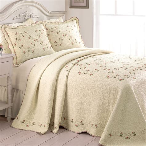 Embroidered Bedspreads Felisa Embroidered Floral Quilted Bedspread