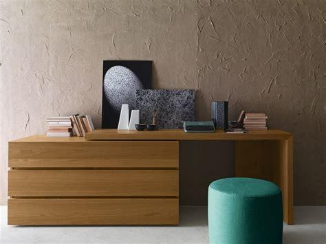 scrivania rovere scrivania in rovere con cassetti scrivania presotto