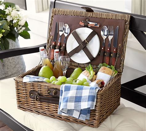 picnic basket ideas top 10 wedding gifts gift giving ideas gift weddings and picnics