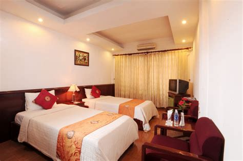 age to reserve hotel room hanoi stay hotel
