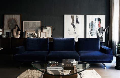 Bachelor Home Decorating Ideas blue velvet couch fashion squad