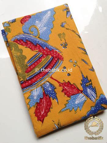 Kain Batik Tulis Latar Merah Jingga jual kain batik tulis motif boketan merah biru latar