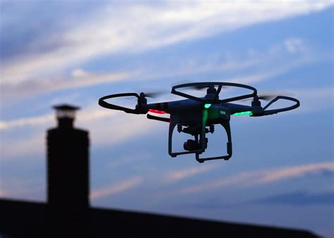 Alarm Mobil Phantom a drone carrying a mobile phone could hack a wireless