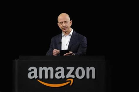 amazon owner amazon faces new obstacles in fight for holiday dollars