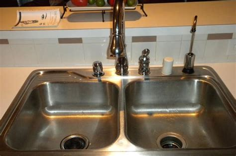 how to clean the kitchen sink totkay of the week how to clean your kitchen sink aqsaa