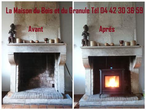 Poele Dans Cheminee by Po 202 Le 192 Granule Dans Une Chemin 201 E Ancienne La Maison