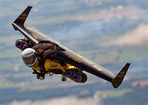 yves rossy trains student jetman aopa