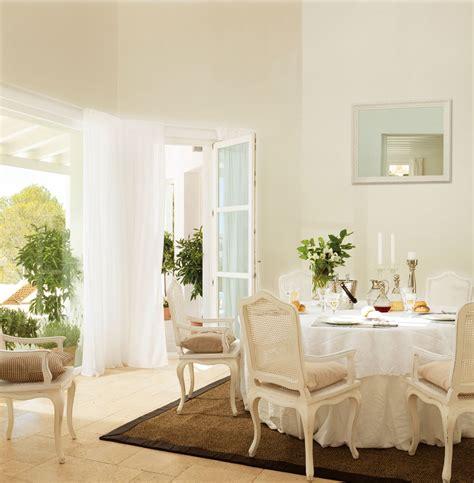 decorar paredes blancas con pintura pintar la casa as 237 nos influye el color
