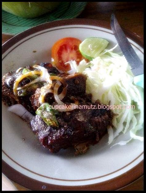 makan enak kuliner jogja  bakso rusuk salad solo