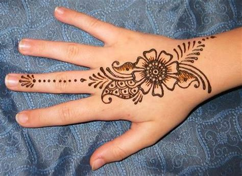 henna flower tattoos 34 henna tattoos