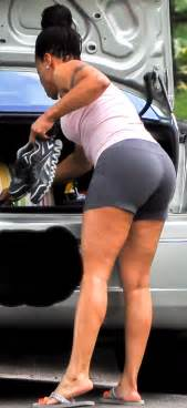 amateur latinas bending over cheek thick booty black milf bending over in skin tight short
