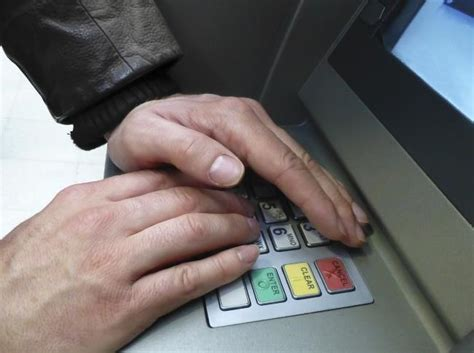 how to make credit card payment through atm how credit card skimmers work and how to spot them