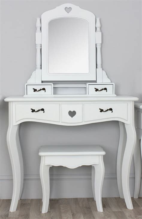 Antique White Bedroom Vanity by 56 Best Images About Bedroom Vanity On Antique