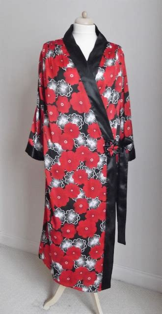 lotus black deco floral kimono style robe 1920s just sew inspired sewing and