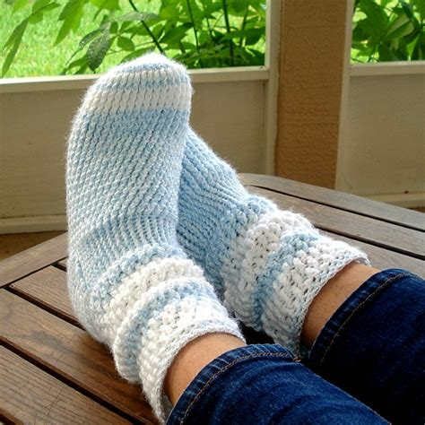 1000 images about socks and slippers on pinterest 1000 images about crochet to wear on pinterest slippers