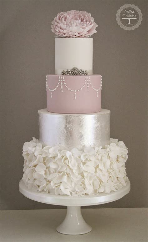 Wedding Trends : Metallic Cakes   Belle The Magazine
