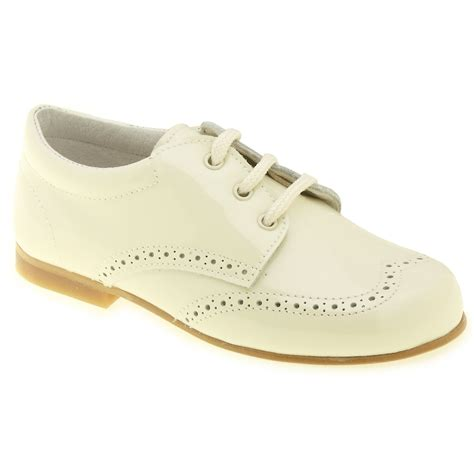 Schuhe Ivory by Boys Ivory Patent Shoes In Patent Leather Cachet