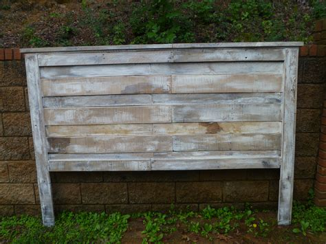 white wash pallet headboard pallets fabulous ideas