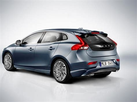 new volvo v40 five door hatchback fully exposed