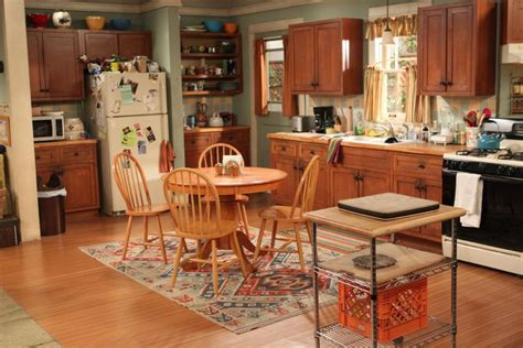 home design tv shows 2014 inside the homes and sets of cbs s mom hgtv