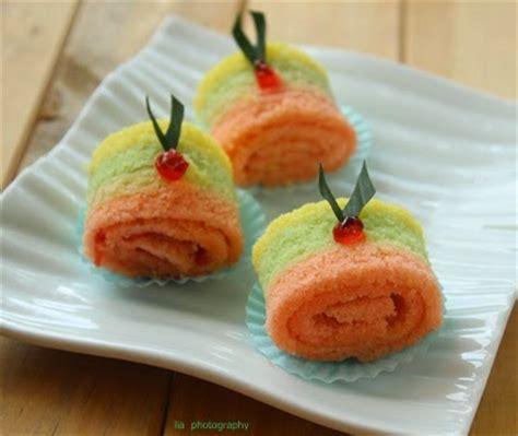 cara membuat bolu mini la cuisine de lia bolu gulung mini rainbow