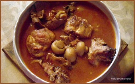 cuisiner le lapin en sauce recette lapin au vin blanc et champignons recette lapin