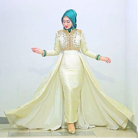 Baju Muslim Elegan Dian Pelangi Tren Baju Lebaran Terbaru Model Gamis Ide Model Busana