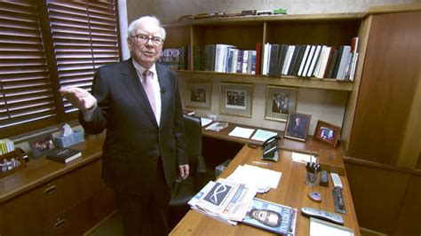 Warren Buffett The Office by The Quot Wizard Of Omaha Quot At Work Photo 1 Pictures Cbs News