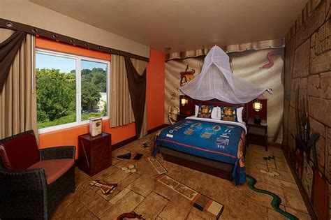 theme hotel design fully themed adventure room picture of legoland