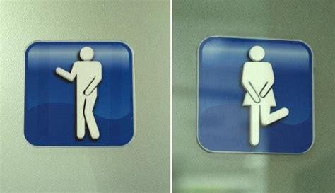 Tanda Stiker Kamar Mandi Toilet Transparan Besar Unik Lucu Mengintip para netizen dari jepang berbagi tanda penunjuk toilet dari seluruh dunia japanese station