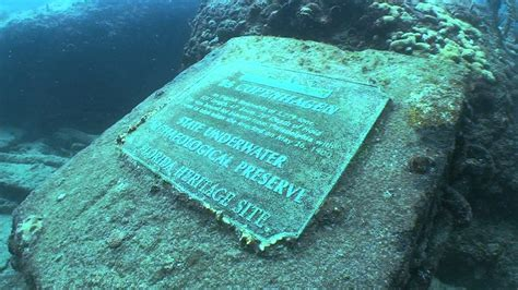 First Floor In Spanish by Real Titanic Underwater Bodies Foto 2017