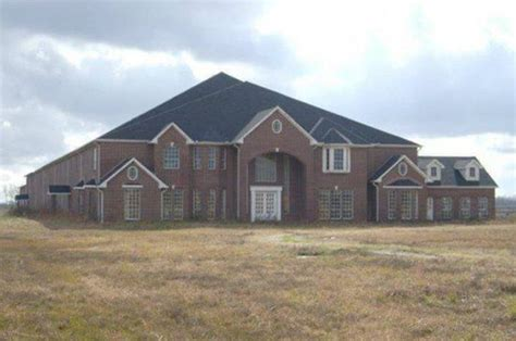 10 bedroom house for sale gigantic 46 bedroom 26 bathroom house for sale in texas