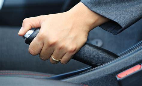 Rem Tangan Mobil Begini Cara Memperlakukan Rem Tangan Mobil Yang Benar