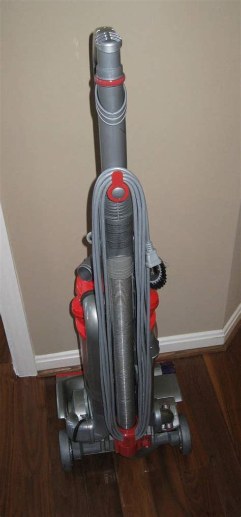 Vacuum Cleaner Retailers Dyson Dc14 Low Reach Upright Vacuum Cleaner 459 Retail