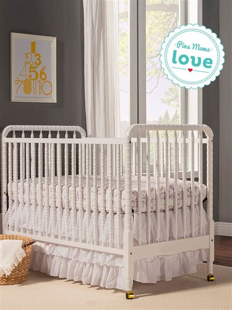 Vintage Style Crib by This 3 In 1 Crib Features Beautiful Spindle Posts For A