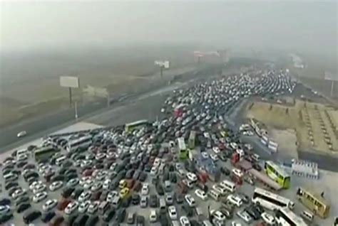 this is what a 50 traffic jam looks like smart news smithsonian