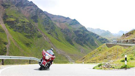 Motorradtouren Ostschweiz by Bed Breakfast Motorrad Touren Schweiz Chasa Randulina