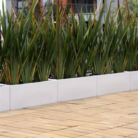 imagenes de macetas minimalistas jardineras rectas macetas de fibra de vidrio fiberland