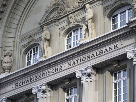 banche svizzera swiss franc announcement causes chaos on city trading