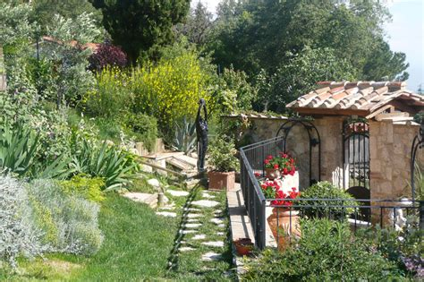 a tuscan garden in bloom in may june part 2 italy magazine