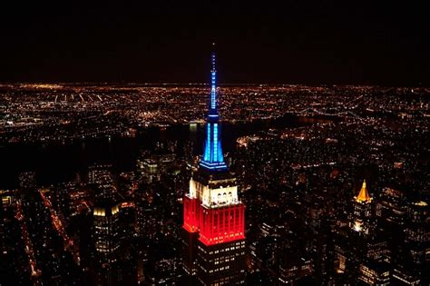 cool empire state building lights up to pentatonix s