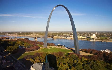 st louis hotels near st louis gateway arch in st louis choice hotels