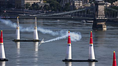 high speed air racing in budapest bull air race 2015
