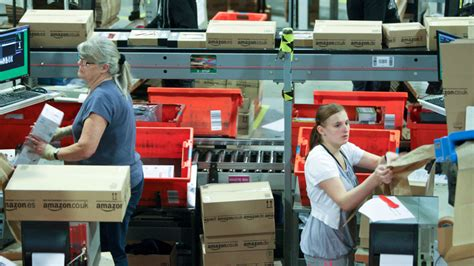 UPS To Hire 55,000 Seasonal Workers Ups Jobs Employment