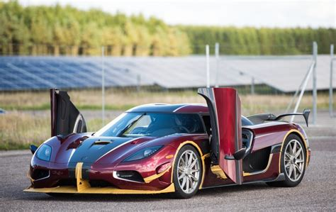 koenigsegg agera rs1 top speed koenigsegg agera rs crushes bugatti s production car speed