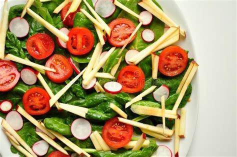 alimento vegano vegano alimento sano insalata degli spinaci della mela