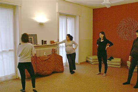 movimento in gravidanza casa maternit 224