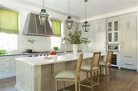 Light Gray Kitchen Cabinets with Light Gray Moldings