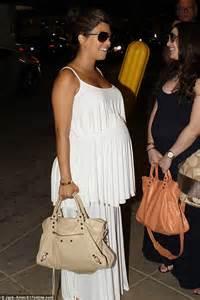 Faiza Dress Monochrome Maxi Gamis kourtney drapes baby bump in a flowing